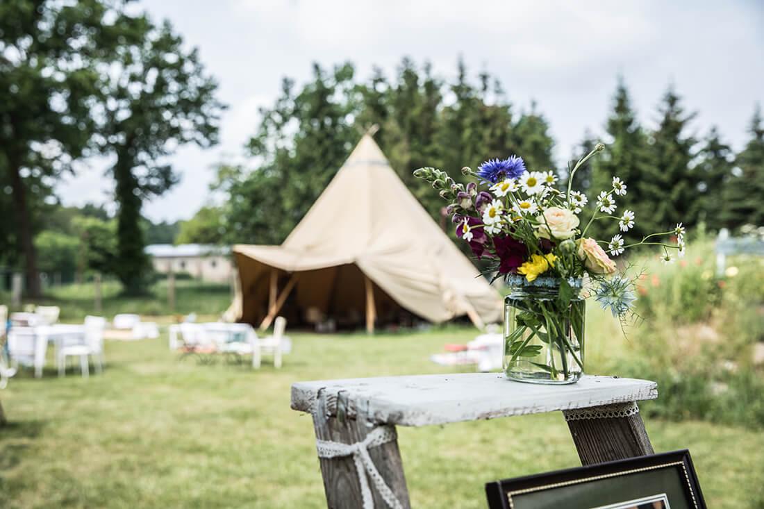 Hochzeitslocation Schmetterlingsgarten_Tipi_Boho © Miriam Ellerbrake 2018